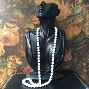 🔥 Vintage Long Strand White Bead Necklace